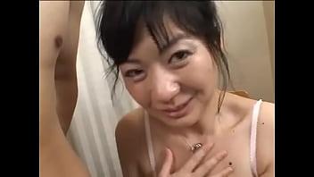 熟女のセンズリ鑑賞 vol.284 31歳(奈緒)結婚3年の人妻に口前射精 (21分30秒)