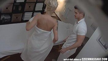 cover video Beautiful Big Tits Blonde On Czech Massage