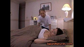 XVIDEO 佐藤美希 巨乳の母親を悪戯する息子(佐藤美希)