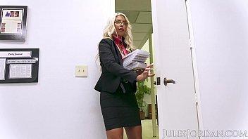 thumb Jules Jordan Bridgette B Big Tit Milf Gets A Bonus For All Her Hard Work A Big Black Cock