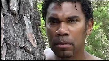 cover video Black Servant Prepares An Ambush To A White Chi