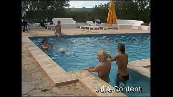Download de vídeos pornôs Naked Pool-Party - soft Mp4 o mais tardar