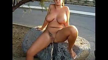 Tits peeing