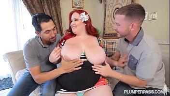 thumb Redhead Ssbbw Eliza Allure Takes On 2 Huge Cocks