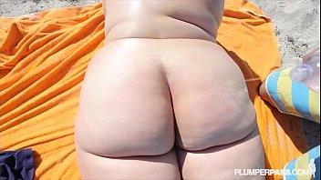 thumb Ssbbw Erin Green Walks Naked On Beach N Fucks Stranger