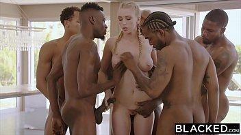 O Blonda Fututa De O Multime De Negri Xnxx