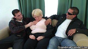 xxarxx Granny takes two cocks