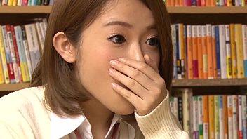 【潮ふき・オナニー動画】こんなロリ可愛い娘を催眠術にかけたら色々プレイしちゃいます?