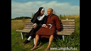 cover video Junge Geile Nonne Diana Auf Parkbank Gefickt