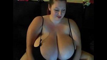Bbw Webcam Cu Ditamai Tatoasa Te Invita La Ea Sa O Futi