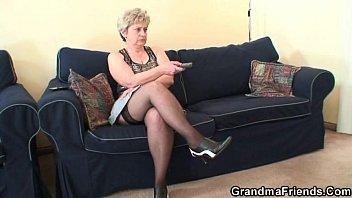 xxarxx Granny takes two cocks after masturbation
