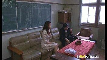 【女教師の熟女・人妻動画】綺麗な女教師が赴任してきて学園生活がパラダイスになった話