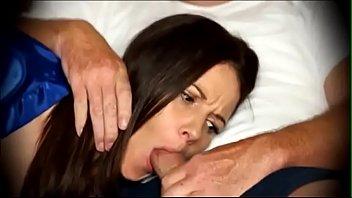 うたた寝する母親の口に肉棒を挿入し、身体を弄ぶ息子