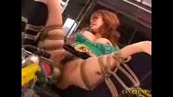 巨乳の女性の、緊縛拘束無料H動画。