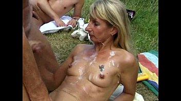 Bukkake mature orgie