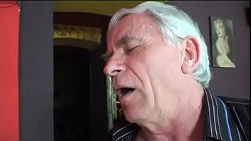 Ебут в рот порно фото частное