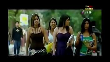 thumb Desi Actress Exposing Massive Cleavage In Sari
