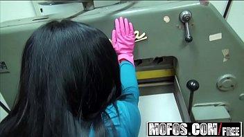 Mofos - Public Pick Ups - Railin Her in the Tra... | Video Make Love