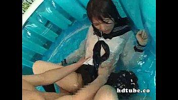 【女子高生/JK】セーラー服が濡れて乳首が透けてるのがエロい巨乳女子校生とずぶ濡れ顔射セックス