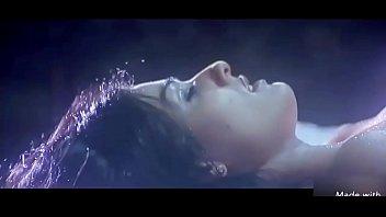 cover video Raveena Tandon Hot Scene