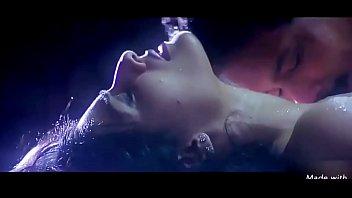 thumb Raveena Tandon Hot Scene