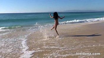 xxarxx    شاعالي الجودةني استمتع على الشاطئ قبل أن استمني