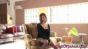 【熟女 拘束】タイトスカートでムチムチで巨乳の熟女の、拘束フェラロータープレイ動画。