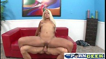 Good looking blondie deep anal toying
