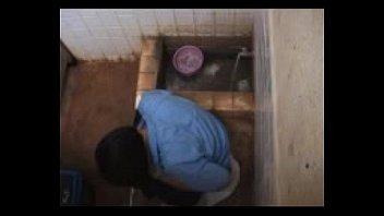 ตั้งกล้องในห้องน้ำโรงเรียนมัธยม แอบถ่ายนักเรียนหญิงเข้าห้องน้ำ ส่องหีเด็ก ใครชอบแนวนี้ห้ามพลาดเลย คลิปแอบถ่าย