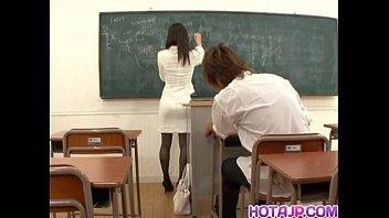 xxarxx ميهو كاندا ترفرف في المدرسة