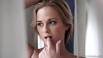 Young blonde Vinna Reed taking cock while tongue kissing Samantha Jolie  217691