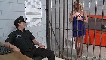 cover video Allison Kilgore Slut Fucked In Jail