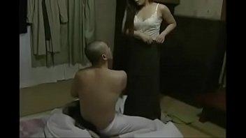 【熟女・人妻の不倫動画】主人の兄と不倫する不貞の妻。成熟した身体は感度が高く何度も快感に身を任せるのであった・・・。