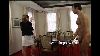 連れ込んだ巨乳娘に大興奮で即全裸に剥いて乳首イジメて立ちバック!