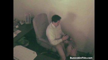 Un Patron Fericit Ca Este Supt De Angajata Zilnic In Birou Sex Camera Ascunsa