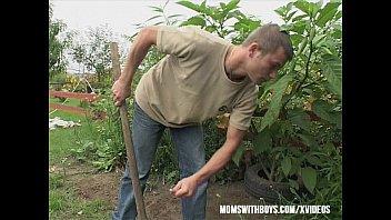 xxarxx Gardener Sexual Interruption Outdoors