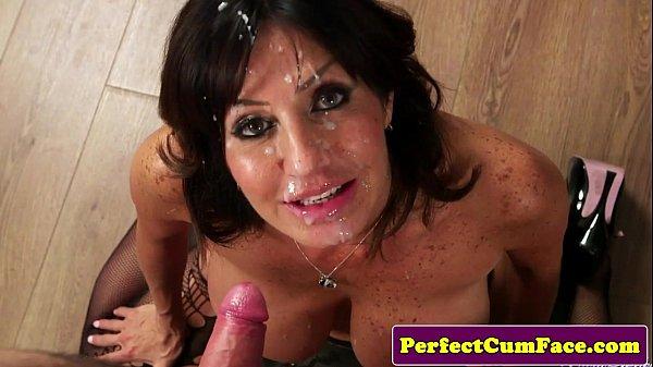 Секс зрелых сперма на лице фото