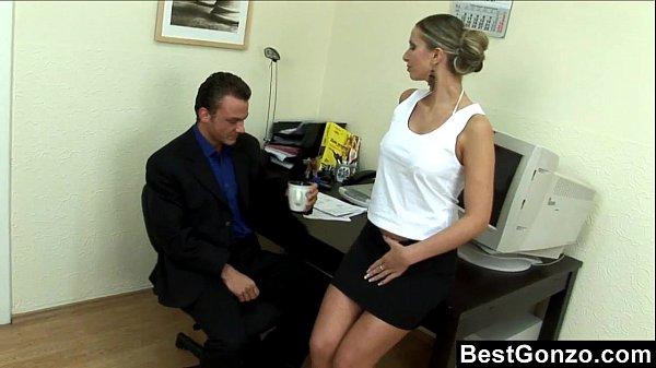 Порно в с начальницей жкх 162