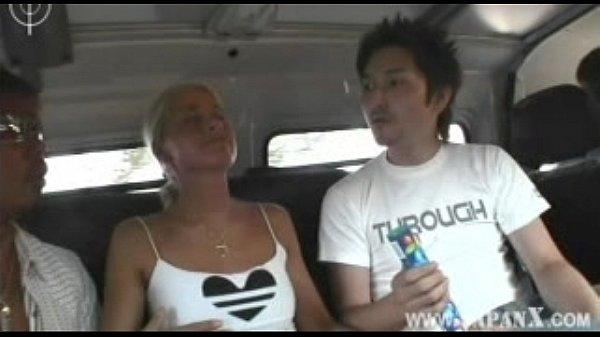 Трахнуть японку в автобусе