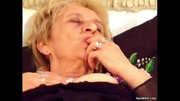 Bunica Curva Este Fututa De Nepotul Porno