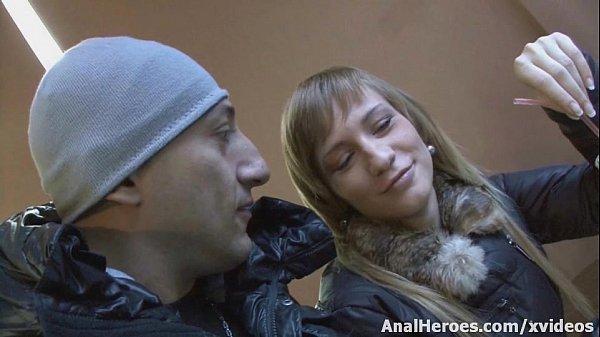 Трах в попку русских девушек с омаром галанти