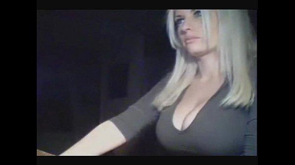 Hot Jessica Simpson Pamela Anderson look alike