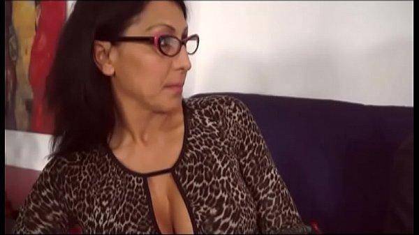Isi Ia Mama La Pula In Timp Ce Ea Doarme Porno Cu Mamici Italience