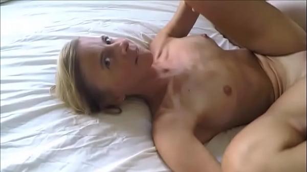 Муж дома а жена дала другу порно