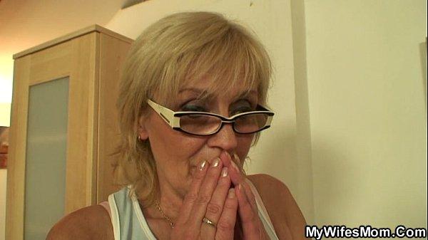Моя жена застукала меня когда я трахал ее мать