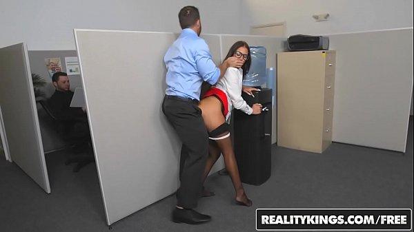Pozexxx Si Videoclipuri Porno Cu O Contabila Ce E Fututa In Birou