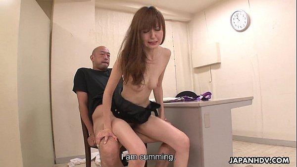 Стройную даму ебут