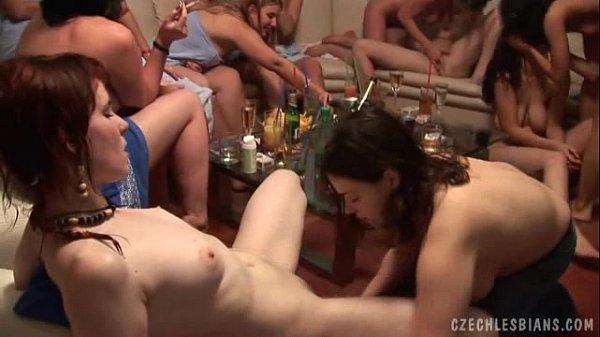 Вечеринка реальный секс групповой секс девушки лесбиянки