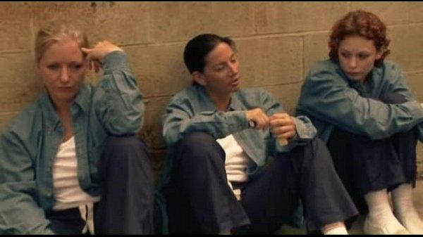Порно пародия тюрьма лезбиянок