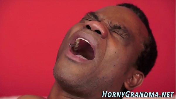 Порно видео нарезка оканчаний в рот зрелым дамам